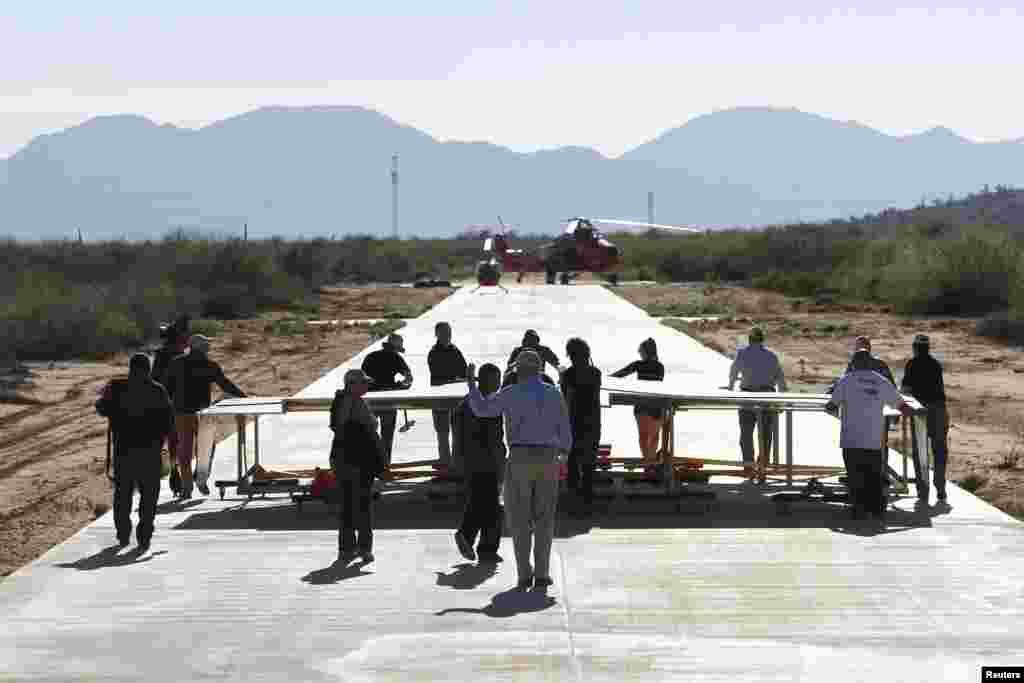 Este es uno de los aviones de papel más grande del mundo y fue diseñado por el reconocido ingeniero Art Thompson.