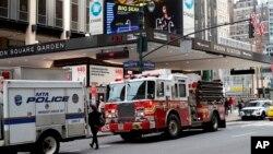 No hubo reportes inmediatos de lesiones graves, pero New Jersey Transit y Amtrak tuvieron retrasos en el servicio. El descarrilamiento se produce una semana y media después de que un tren de Amtrak descarriló parcialmente al salir de la estación Penn.
