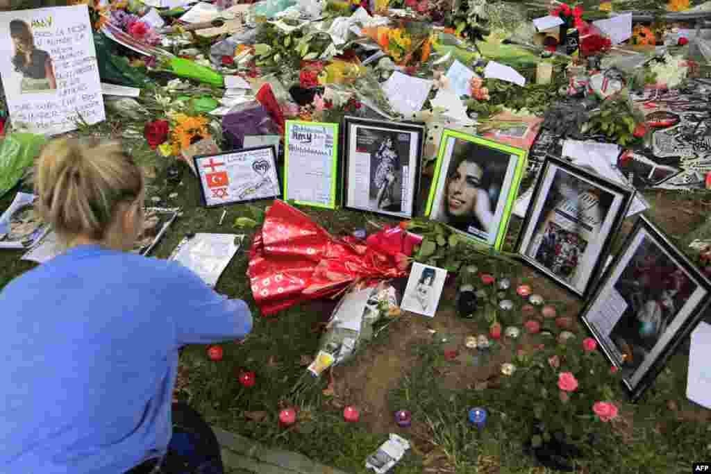 Похороны Эми Уайнхаус : «Спи спокойно, мой ангел»