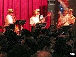 美国海军第七舰队乐队表演