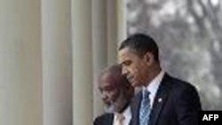 Presidenti Obama pret në Shtëpinë e Bardhë Presidentin e Haitit