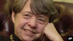Cựu công tố viên Mary Jo White được đề cử phụ trách Ủy ban Chứng khoán và Giao dịch