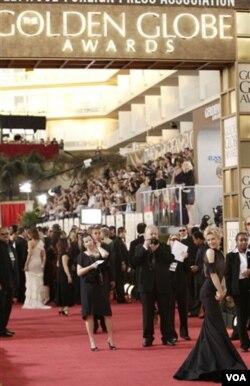 Golden Globe Awards adalah ajang bergengsi bagi insan televisi dan perfilman dunia. Penghargaan Golden Globes sering menjadi indikasi siapa yang akan memenangkan Academy Awards atau Oscar.