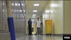 Škole se pripremaju za povratak učenika u septembru, ali se još ne zna koliko će ih učitelja dočekati