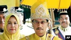 马来西亚民众推动净化选举。图为马来西亚国王和王后。