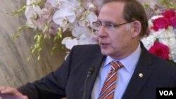 존 부즈맨 공화당 상원의원.