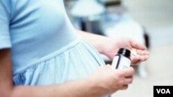 Quando as meninas casam cedo, engravidam cedo e colocam em risco a sua saúde.