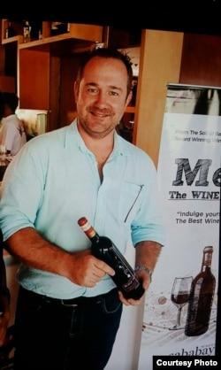 Nicholas Sababay, pakar anggur Sababay Winery.