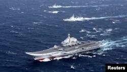中國海軍遼寧號航母編隊在南中國海演習(2016年12月資料照)
