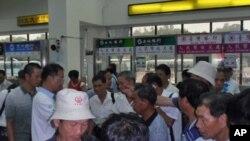 金門港內準備離台的大陸旅客