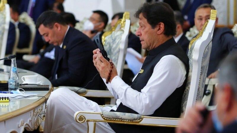 طالبان سے تمام افغان نسلی اقلیتوں پر مشتمل حکومت کے قیام پر بات چیت شروع کر دی ہے: عمران خان thumbnail