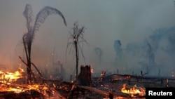 Một khoảng rừng Amazon bị cháy ở Machadinho do Oeste, bang Rondonia, Brazil, ngày 2/9/19.