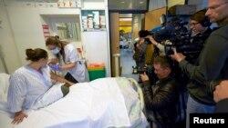Volonterka prima eksperimentalnu vakcinu protiv ebole u Lozani u Švajcarskoj, 4. novembar 2014.