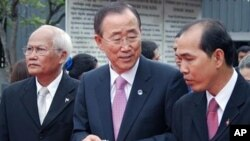 .N. Secretary-General Ban Ki-moon, center, tours the Tuol Sleng Genocide Museum, formerly the Khmer Rouge regime's notorious S-21 prison in Phnom Penh (file photo).
