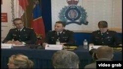 加拿大皇家騎警在記者會上宣佈逮捕消息