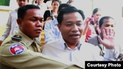 Chhouk Bandit appeared at appeal court before disappearing, photo courtesy CLEC.
