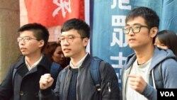 Para pemimpin gerakan mahasiswa 'Gerakan Payung' Hong Kong, dari kanan: Alex Chow, Nathan Law dan Joshua Wong. (Foto: dok).