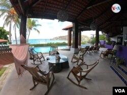 Hoteles y restaurantes sin ningún turista en San Juan del Sur, Nicaragua. [Foto: Houston Castillo Vado, VOA]