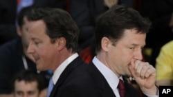 데이비드 카메론(David Cameron) 영국 총리(왼쪽)와 닉 클레그(Nick Clegg) 부총리(오른쪽) (자료사진)
