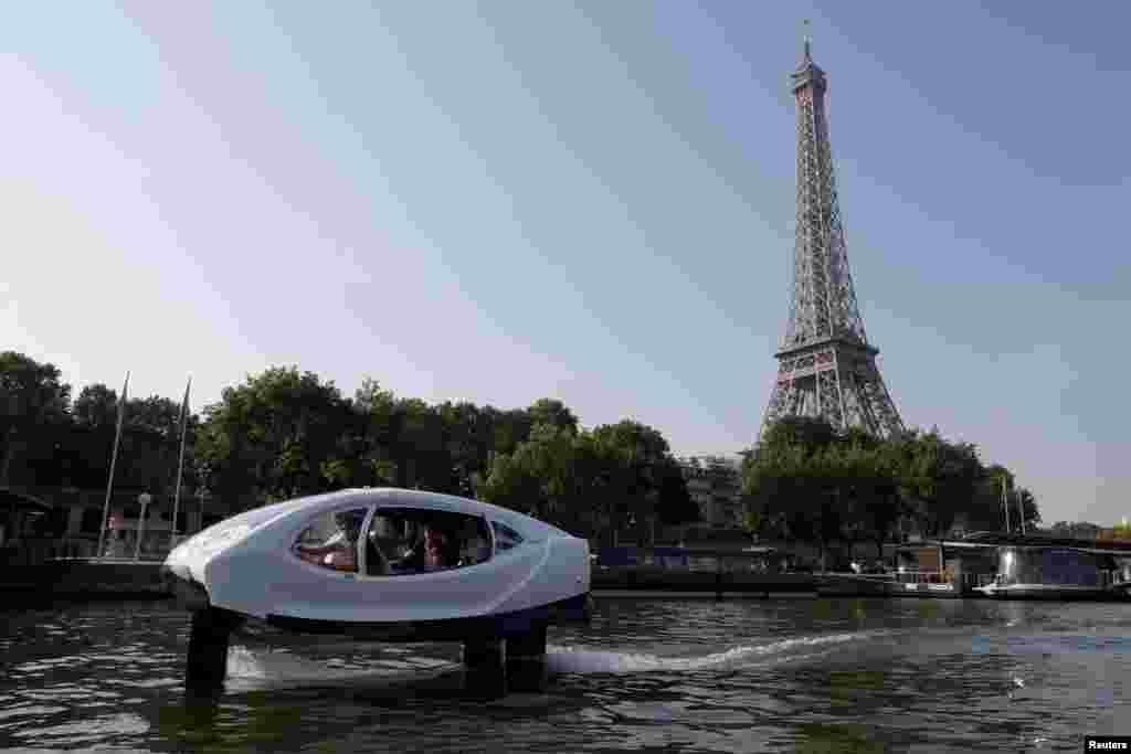 آزمايش تاكسى دريايى موسوم به حباب دريا در رودخانه سن در پاريس. حباب دريا كاملا برقى است و آلودگى در آب توليد نمى كند.