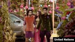Video bergaya Bollywood yang mempromosikan kampanye kebebasan dan kesetaraan PBB terkait dengan maraknya homophobia dan mendorong penghormatan hak-hak kaum LGBT. (Foto: Screen Grab).