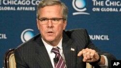 Jeb Bush dijo que él tiene sus propias visiones sobre relaciones internacionales y otros asuntos.