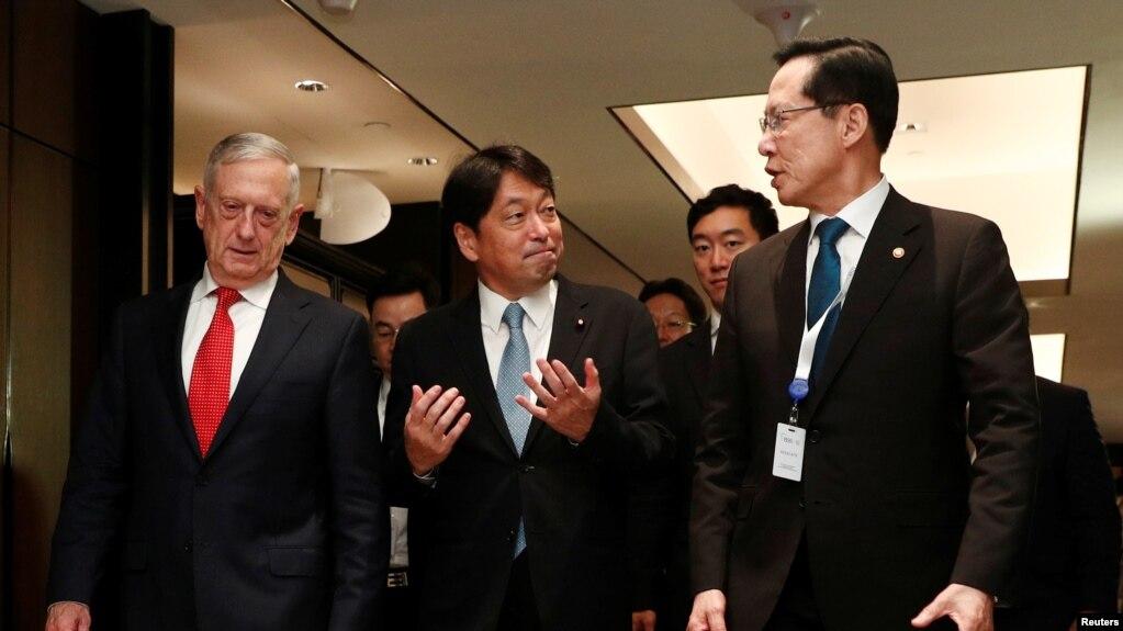 日美韓三國防長2018年6月3日在新加坡會談(路透社)