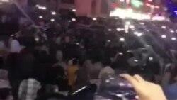 شعارها در بندرعباس، میدان شهربانی: رضاشاه روحت شد؛ مرگ بر دیکتاتور