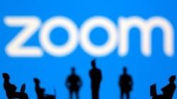 Zoom pronostica un crecimiento tibio a medida que el auge de la pandemia se desvanece; acciones caen