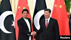 ماہرین کے مطابق چین سے قرض کی آسان شرائط کے لیے بات چیت جاری ہے۔