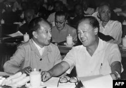 历史照片:中共总书记胡耀邦和中国总理赵紫阳在北京。(1982年9月9日)
