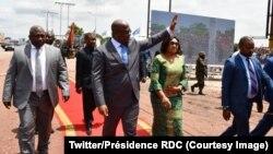Le président Félix Tshisekedi arrive à la présentation du programme de ses 100 premiers jours, à Kinshasa, RDC, 2 mars 2019. (Twitter/Présidence RDC)
