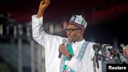 Capres Nigeria dari kelompok oposisi, Muhammadu Buhari berbicara dalam acara politik di Lagos (11/12).