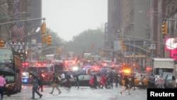 O acidente aconteceu num edifício de 54 andares num dia de chuvas e ventos