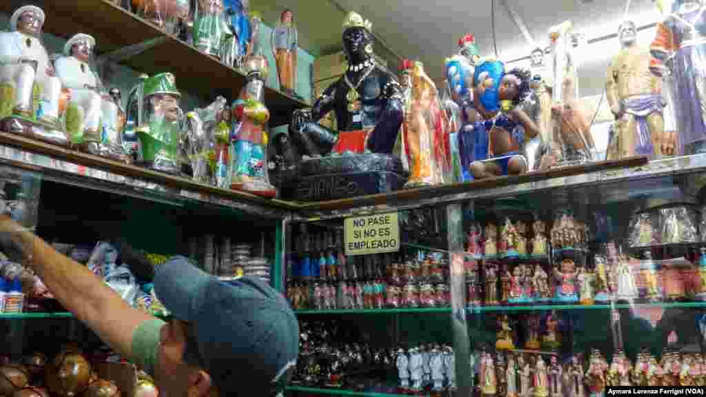 Con la crisis económica en Venezuela han subido las ventas en tiendas de espiritismo.