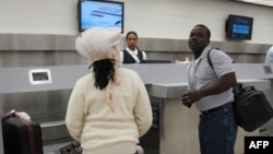 Hành khách tại phi trường Quốc tế Miami