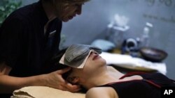 Perawatan spa di sebuah resor di Elkhart Lake, Wisconsin (foto: dok).