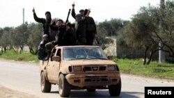 Phe nổi dậy Hồi giáo tiếp tục giành thắng lợi ở miền Bắc Syria.