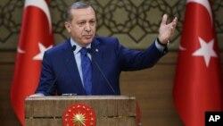 Le président turc Recep Tayyip Erdogan donne un discours à Ankara le 16 mars 2016.
