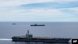 지난해 7월 미국 핵 추진 항공모함 '로널드 레이건' 함이 남중국해에서 항해하고 있다.