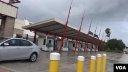在颶風多里安登陸美國前,人們在佛羅里達州西棕櫚灘未雨綢繆(2019年9月2日)。