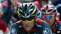 Lance Armstrong en compétition à Porto Vecchio, en Corse, 27 mars 2010.