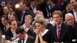 Berlin'de ABD Başkanlık seçim sonuçlarını izleyen Almanlar
