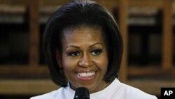 米歇爾.奧巴馬五月25日在倫敦對兒童發表講話(資料圖片)