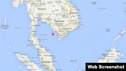 ផែនទី Google Maps បង្ហាញទីតាំងកោះ Tho Chu (កោះក្រចកសេះ) ដែលសម្គាល់ដោយចំណុចក្រហម។ កោះនៅក្នុងលំហឈូងសមុទ្រថៃនេះជាដែនដីដែលស្ថិតនៅជិតជាងគេនឹងកន្លែងដែលគេគិតថាយន្តហោះម៉ាឡេស៊ីបានបាត់និងធ្លាក់កាលពីថ្ងៃសៅរ៍។