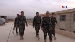 Nữ chiến binh Yazidi cầm súng bảo vệ quê hương