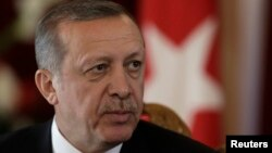 土耳其总统埃尔多安在记者会上