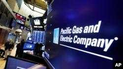 El logo de Pacific Gas & Electric Co. en la Bolsa de Nueva York, el lunes 14 de enero de 2019.