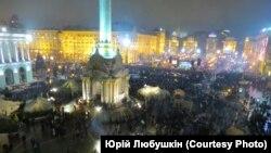 Майдан 12-го грудня.