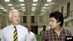 رمیز راجہ 2004 میں پاکستان کرکٹ بورڈ کے چیف ایگزیکٹو بھی رہ چکے ہیں۔